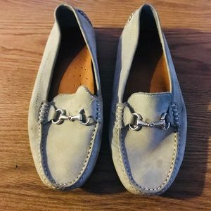 Mercantil Florentini Gray Suede Loafers Size 8B